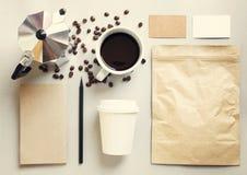 Sistema de marcado en caliente de la maqueta de la identidad del café Imagen de archivo libre de regalías
