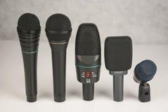 Sistema de micrófonos de la etapa Fotos de archivo libres de regalías