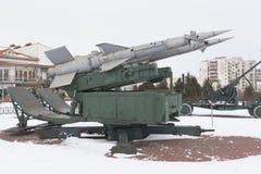 Sistema de misiles antiaéreo del ` de Pechora del ` S-125 en el ` complejo conmemorativo de Krasnaya Gorka del ` en la ciudad de  Imagen de archivo