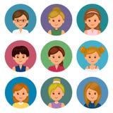 Sistema de muchachas de los avatares con diversos peinados Avatares aislados de las mujeres para el ui y el diseño web Fotografía de archivo libre de regalías