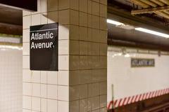 Sistema de pesos americano atlántico, estación del centro de Barclays, New York City fotos de archivo