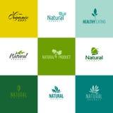 Sistema de plantillas naturales y orgánicas del logotipo de los productos Hojas y ramas libre illustration