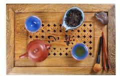 Sistema de platos y de accesorios para la ceremonia de té foto de archivo
