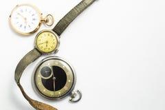 Sistema de relojes del estilo del vintage en el fondo blanco Imágenes de archivo libres de regalías