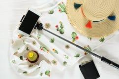 Sistema de ropa para mujer; pullo blanco del gráfico del cactus de los accesorios Fotos de archivo