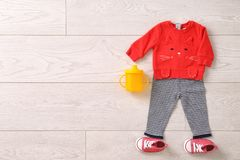 Sistema de ropa y de accesorios del bebé Imagen de archivo