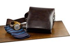 Sistema de ropa y de accesorios elegantes de moda del ` s de los hombres Reloj, calcetines y bolso elegantes del ` s de los hombr Imagen de archivo libre de regalías