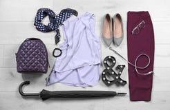 Sistema de ropa y de accesorios femeninos de moda Imágenes de archivo libres de regalías