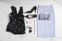 Sistema de ropa y de accesorios femeninos de moda Imagenes de archivo