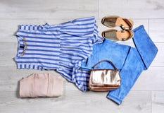 Sistema de ropa y de accesorios femeninos de moda Imagen de archivo libre de regalías