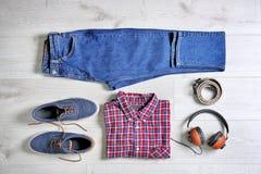 Sistema de ropa y de accesorios masculinos de moda Imagen de archivo libre de regalías