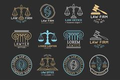 Sistema de símbolos de la asesoría jurídica con las escalas de la justicia, de los ejemplos del mazo etc El abogado del vector, a Imagenes de archivo