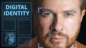 Sistema de seguridad informática que explora la cara del hombre caucásico Clip relacionado de la identidad de Digitaces almacen de video