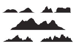 Sistema de siluetas blancos y negros de la montaña Frontera del fondo de montañas rocosas ilustración del vector