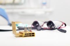 Sistema de taladros y de lentes del dentista Foto de archivo libre de regalías