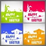 Sistema de tarjetas colorido feliz del ejemplo del vector de pascua con los conejos y las siluetas de orejas grandes del pollo en Fotos de archivo