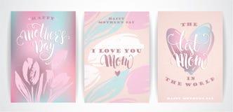 Sistema de tarjetas de felicitación felices de las letras de día de madres con las flores Fotografía de archivo