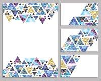 Sistema de tarjetas de moda del vector Tarjetas con los triángulos label stock de ilustración