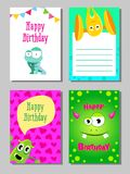 Sistema de tarjetas divertido colorido con los monstruos lindos stock de ilustración