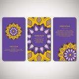 Sistema de tarjetas ornamentales, aviador con la mandala colorida de la flor Fotos de archivo libres de regalías