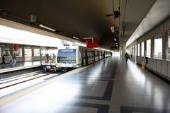 Sistema de transporte público do metro de Medellin, o único sistema de transporte maciço trilho-baseado em Colômbia imagem de stock