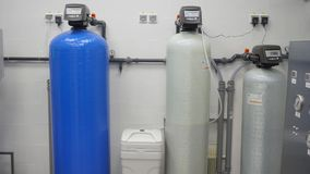 Sistema de tratamiento de aguas Hemodialisis Sistema de tratamiento de aguas de centro médico almacen de metraje de vídeo