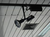 Sistema de trilhos para o projetor trecking na foto video do estoque do estúdio imagem de stock
