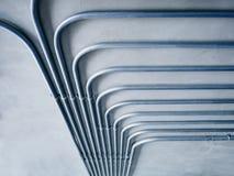 Sistema de tubulação da eletricidade na parede do cimento imagens de stock royalty free