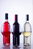 Sistema de vidrios con el vino Imágenes de archivo libres de regalías