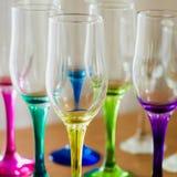 Sistema de vidrios vacíos multicolores Imágenes de archivo libres de regalías