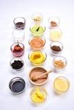 Sistema del aperitivo del pan diversas natillas, ñame, miel, chocolate y Fotos de archivo