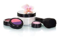 Sistema del cosmético para el maquillaje aislado en blanco fotos de archivo libres de regalías