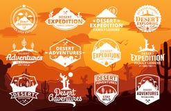 Sistema del desierto del vector y del logotipo al aire libre de las aventuras