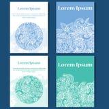 Sistema del diseño de tarjetas Fondo del Doodle Elementos decorativos para el cartel, invitación Plantillas orientales con el lug Imágenes de archivo libres de regalías
