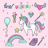 Sistema del ejemplo dibujado mano de un unicornio mágico, de una vara, de estrella-gafas de sol, de un diamante, de un libro mági stock de ilustración