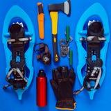 Sistema del engranaje para la aventura, supervivencia durante invierno Fotografía de archivo