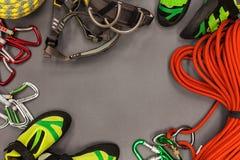 Sistema del equipo para el deporte que sube al aire libre, visión superior Foto de archivo libre de regalías