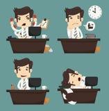 Sistema del hombre de negocios que se sienta en el escritorio, oficinista Imagen de archivo libre de regalías