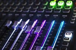 Sistema del mezclador de sonidos con la luz Imagen de archivo