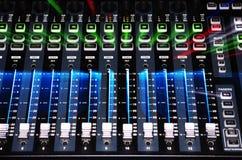 Sistema del mezclador de sonidos con la luz de la explosión Imágenes de archivo libres de regalías