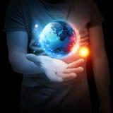 Sistema del planeta en su mano fotografía de archivo libre de regalías