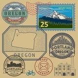 Sistema del sello con el nombre y el mapa de Oregon ilustración del vector