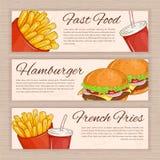 Sistema del vector de banderas dibujadas mano de los alimentos de preparación rápida con las patatas fritas, la hamburguesa y agu Imagen de archivo