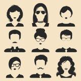 Sistema del vector de diversos iconos masculinos y femeninos en estilo plano de moda Imágenes de las caras o de las cabezas de la ilustración del vector