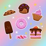 Sistema del vector de dulces en el estilo de garabatos en un fondo olográfico Imagen de archivo