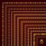 Sistema del vector de fronteras y de bastidores de la esquina decorativos en oro Fotos de archivo