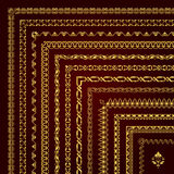 Sistema del vector de fronteras y de bastidores de la esquina decorativos en oro Fotografía de archivo