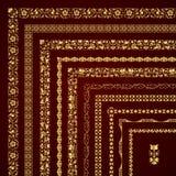 Sistema del vector de fronteras y de bastidores de la esquina decorativos en oro Imagen de archivo libre de regalías