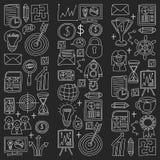 Sistema del vector de iconos del negocio en tiza del estilo del garabato en fondo negro libre illustration