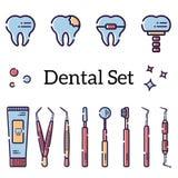 Sistema del vector de instrumentos y de dientes dentales planos con las caries, los apoyos y un implante Objetos aislados en el f ilustración del vector